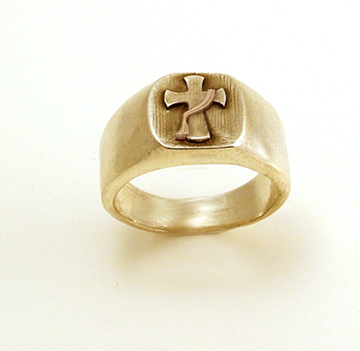 Large Ordination Ring 14KY Gold